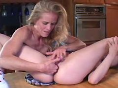 Milf lesbian licks and fingers babe