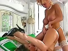 Killer blonde licking pussy on bed